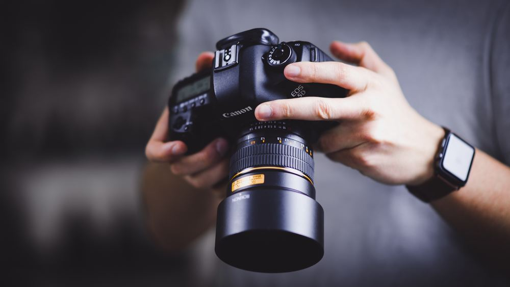 Erfaren erhvervs- og portrætfotograf